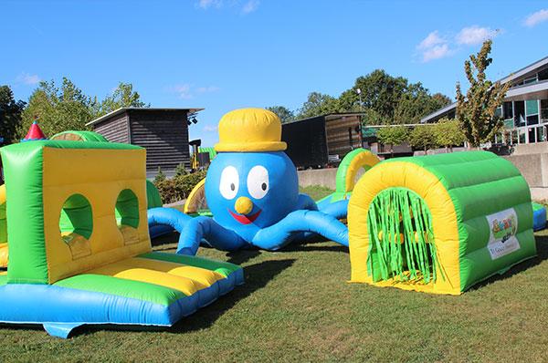Springkussen 'Octopus-Play' huren
