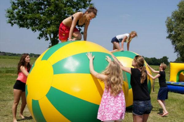 Populair Sportdag organiseren? Huur diverse sportdag spellen | Crazy Air &KI28