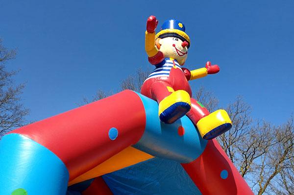 Bouncer-(clown)-2